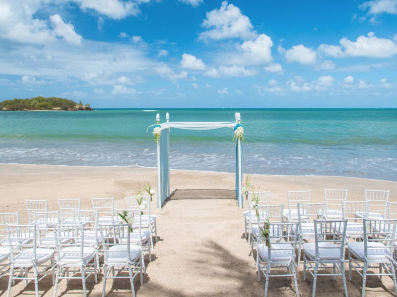 Beachfront Wedding The Ultimate Guide To Getting Married At Sandals Resorts Caribbean Weddings