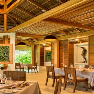 Kuramathi Maldives Maldives Weddings Abroad Duniye Restaurant Interior