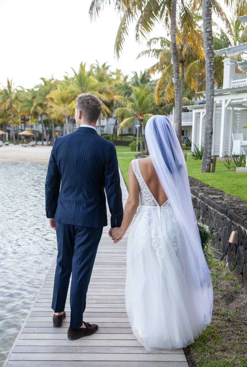 paradise cove wedding day - real wedding review in Mauritius